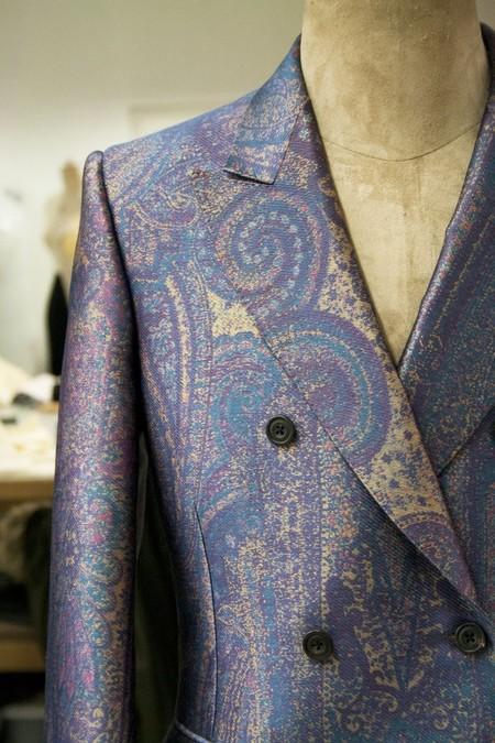 Harry Styles Cambia A Gucci Por Alexander Mcqueen En Un Colorido Look Para Los Premios Aria 04