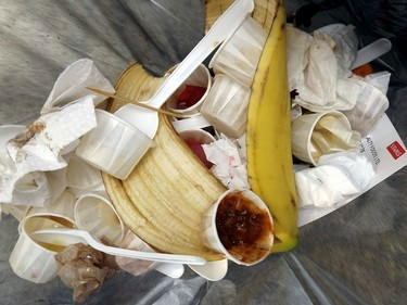Seattle, la primera ciudad que multará por tirar comida a la basura