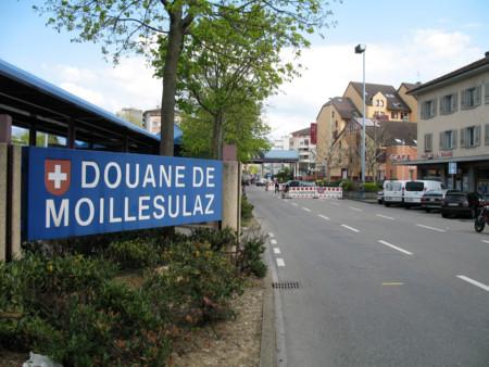 Douane De Moillesulaz, Suiza