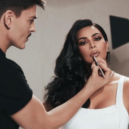 El maquillador de Kim Kardashian lanza una colección de brochas junto a Sephora por tiempo limitado, el regalo perfecto de la Navidad