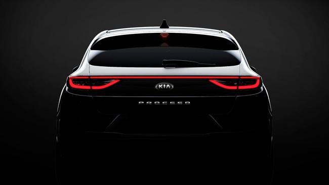 El Kia ProCeed se muestra en un primer teaser y confirma que es el 'Shooting Brake' que estábamos esperando
