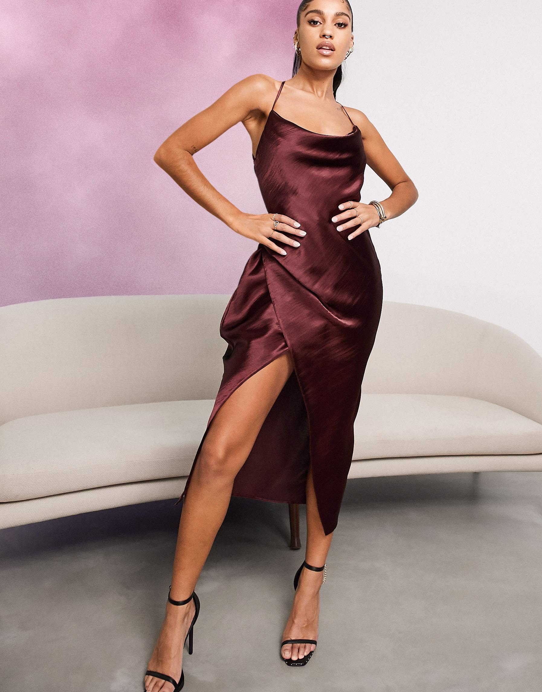 Vestido lencero color vino de tirantes de raso