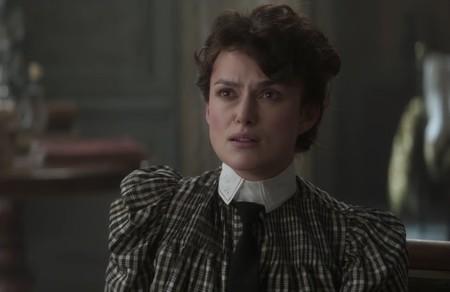 Tráiler de 'Colette': Keira Knightley no sale del cine de época y da vida a la escritora de 'Gigi' en este biopic feminista
