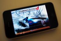 Asphalt 4 Elite Racing, el primer gran juego de coches para el iPhone e iPod touch