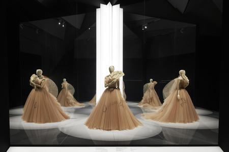 Dior V A Exhibition Scenography C Adrien Dirand 7