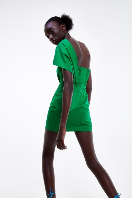 50e47e5c9 Rebajas de Zara verano 2019: vestidos, tops y chaquetas para comprar ...