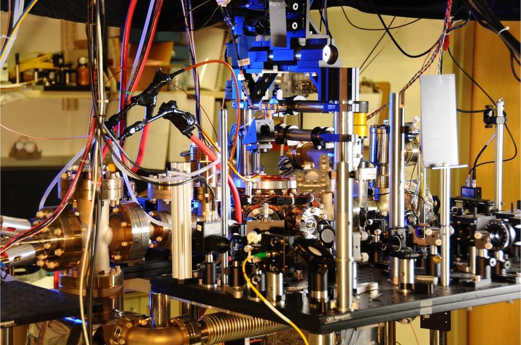 Los experimentos científicos que quieren redefinir cuánto mide un segundo