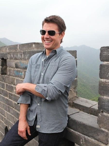Alboroto en el gallinero: Tom Cruise revoluciona a los chinos en sus paseos por la muralla