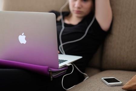 Apple lleva su puritanismo a las series y películas de su servicio de streaming: nada de sexo gratuito, violencia o groserías