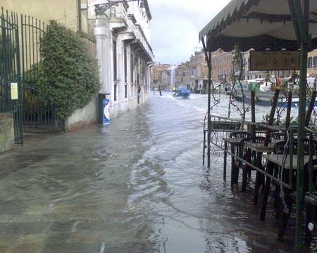 Así es la enorme obra de ingeniería que tendría que haber protegido Venecia de la peor semana de inundaciones que se recuerda