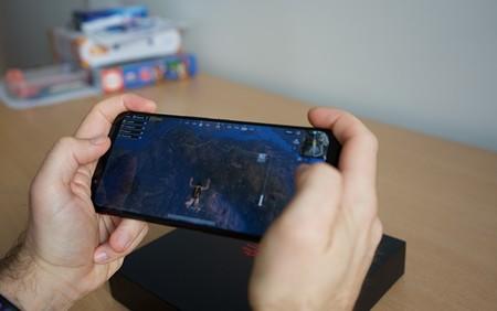 """Nubia Red Magic 3, análisis: los """"gatillos"""" integrados y el ventilador marcan diferencias para jugar con un móvil"""