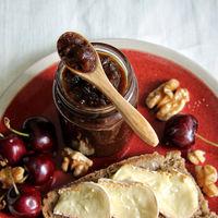 Receta de chutney de cerezas e higos secos para acompañar quesos, aves y mucho más