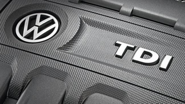 VW T6 Wolfsburgo logotipo lado pasos
