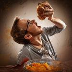 Tres componentes de los alimentos que pueden incrementar tu apetito y empujarte a comer más