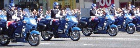 La policía de París felicita a los buenos conductores