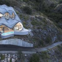 Descubre la espectacular Casa del acantilado