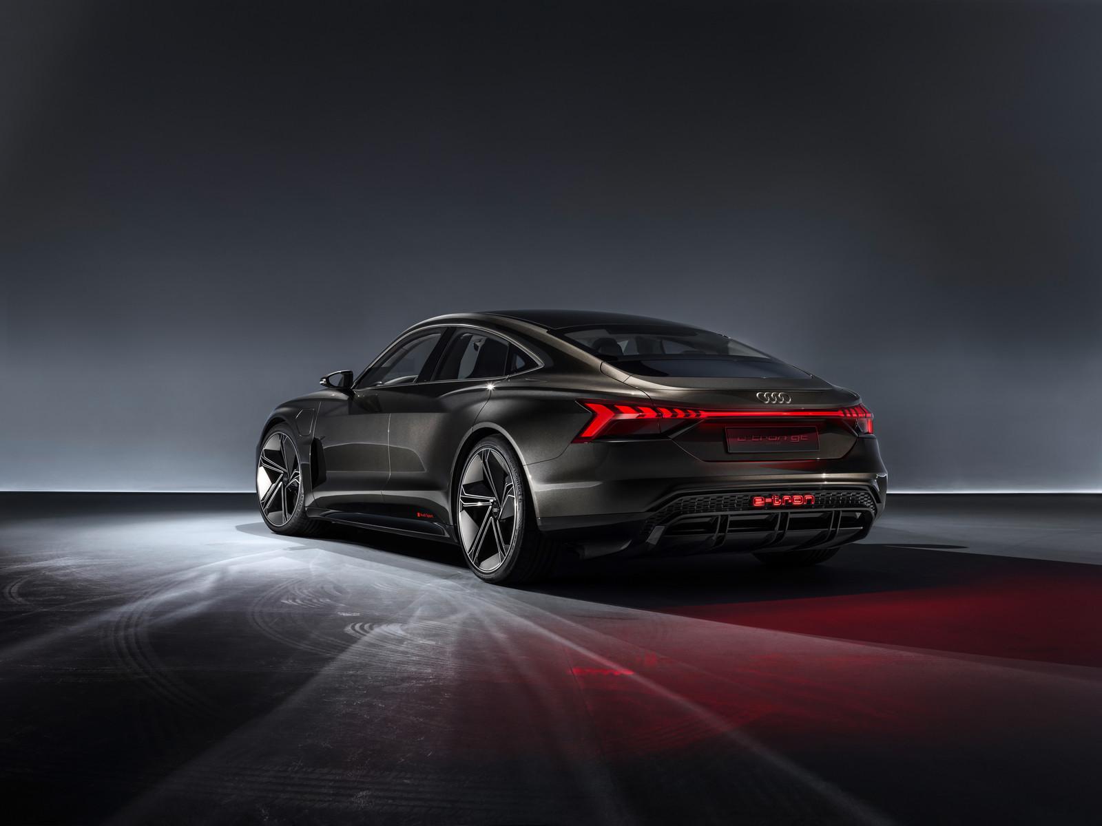 Foto de Audi e-tron GT concept 2018 (35/55)