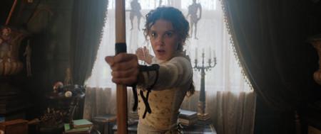 'Enola Holmes': Netflix muestra las primeras imágenes del spin-off del mítico detective con Millie Bobby Brown y Henry Cavill