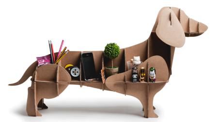Pon en tu vida un simpático perro de cartón