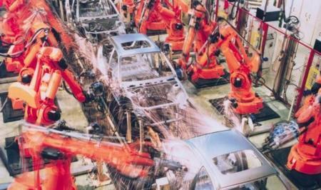 Toyota le da la vuelta a la tortilla: los humanos son más eficientes que los robots