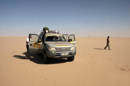 Mi Dakar privado: la aventura de conducir por el Sahara con un Land Cruiser