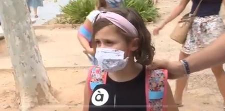 """""""No puedes respirar del todo, pero no pasa nada, es mejor eso que morirse"""", la reflexión de una niña sobre el uso de mascarillas"""