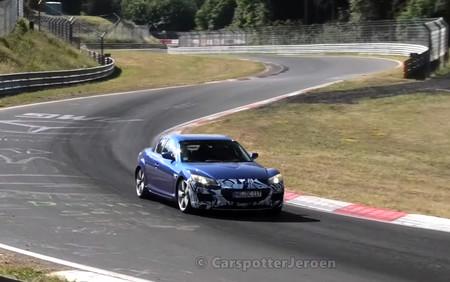 Mazda ha paseado dos mulas del RX-8 en Nürburgring, probablemente con el nuevo motor rotativo híbrido