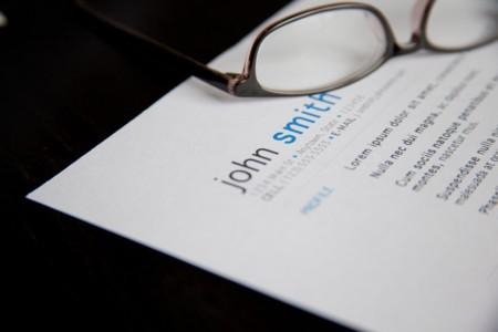 ¿Qué es lo que recursos humanos de una gran empresa mira primero en un currículum?