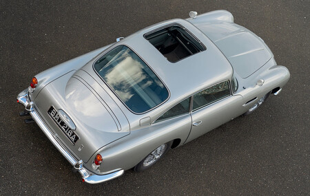 El misterio del Aston Martin DB5 de James Bond en 'Goldfinger' robado cerca de resolverse