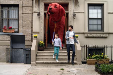 La variante Delta del coronavirus amenaza a la industria: Paramount retrasa indefinidamente el estreno de 'Clifford, el gran perro rojo' en EE.UU.