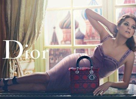 Marion Cotillard para Dior y Dakota Fanning para Marc Jacobs: si la cosa funciona, no cambies