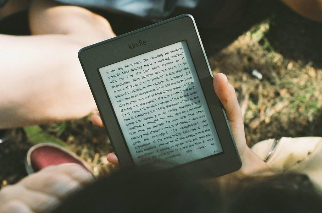 Por fin, Amazon ya permite regalar libros electrónicos Kindle: este es el sencillo paso a paso