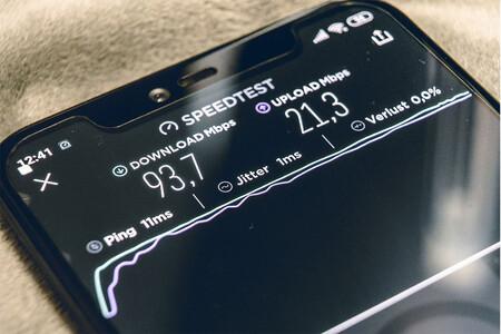 Más allá de la velocidad: qué son ping, lag, loss y otros factores que afectan a la calidad de tu conexión a Internet