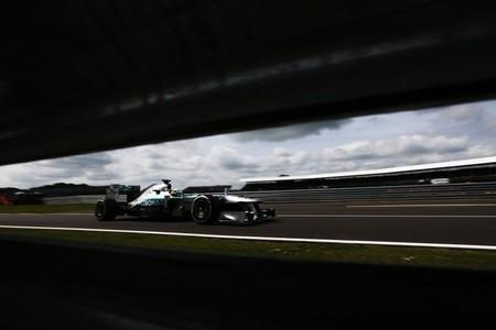 Ruedas y averías dan la victoria a Nico Rosberg en el Gran Premio de Gran Bretaña de Fórmula 1