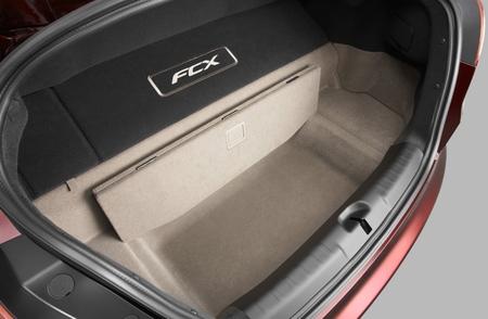 Honda FCX Clarity maletero