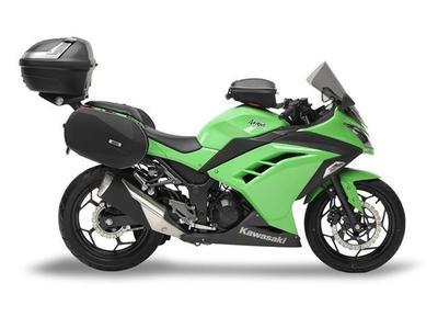 La Kawasaki Ninja 300 vestida por GIVI para viajar