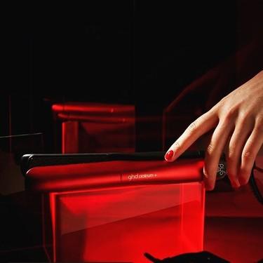 Las nuevas planchas de pelo rojas en edición limitada de ghd son de  lo más bonito de este San Valentín