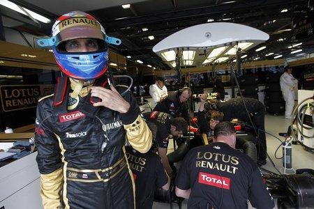 Vitaly Petrov se queja de Lotus Renault GP