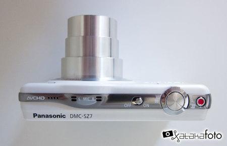 Panasonic Lumix DMC-SZ7 desde arriba