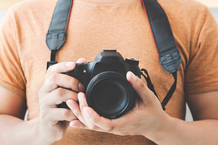 Qué esperamos del año 2021 en fotografía (y qué nuevas cámaras aparecerán, o podrían hacerlo, a lo largo del año)