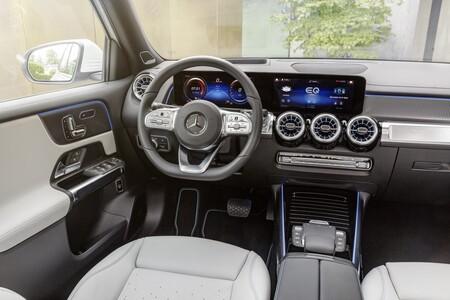 Mercedes Benz Eqb 2021 002