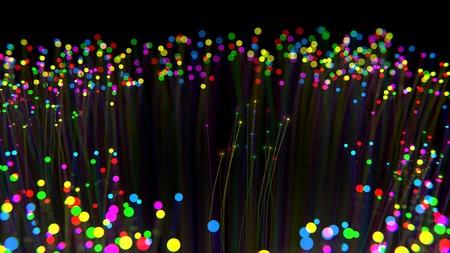 La fibra en España tiene tres principales dueños, pero la puedes contratar con más operadores