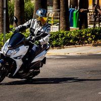 Finalmente sí: Las motos podrán aparcar en las aceras de Madrid