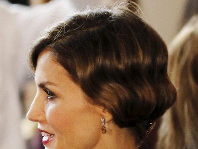 La reina Letizia sorprende con un precioso look años 20 en Miami