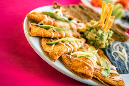 Enchiladas potosinas. Receta de la cocina tradicional mexicana