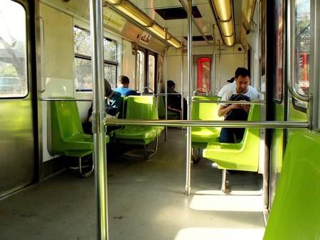 La red Wi-Fi del metro de Ciudad de México permitirá descargar gratis capítulos de libros para leer en el camino