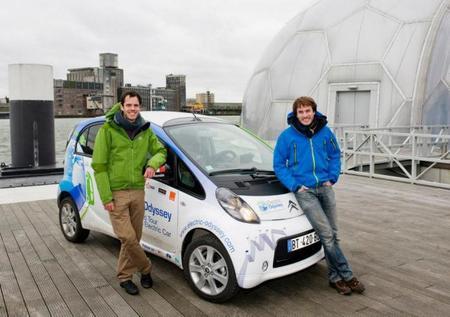 """Dos franceses se embarcan en una """"Odisea Eléctrica"""" a bordo de un Citroën C-Zero"""