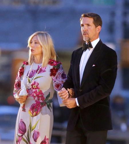 Marie Chantal reaparece tras la polémica, asiste al desfile de Dolce & Gabbana en Nueva York con un vestido de más de 2.000 euros