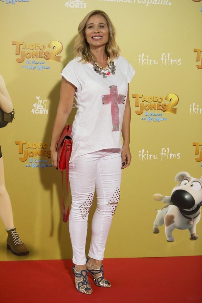premiere tadeo jones 2 estreno madrid look estilismo outfit celebrity Carla Hidalgo