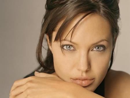 Angelina jolie será Kay Scarpetta